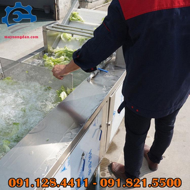 Bồn chứa của máy rửa rau củ Ozone